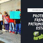 Vecinos de la Fausto Vega protestan frente a PATRIMONIO DEL ESTADO